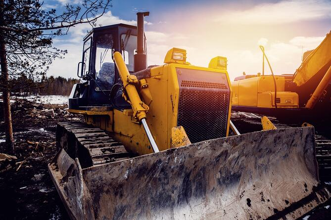 An effective fleet tracking solution can help fleet managers more effectively calculate construction equipment costs